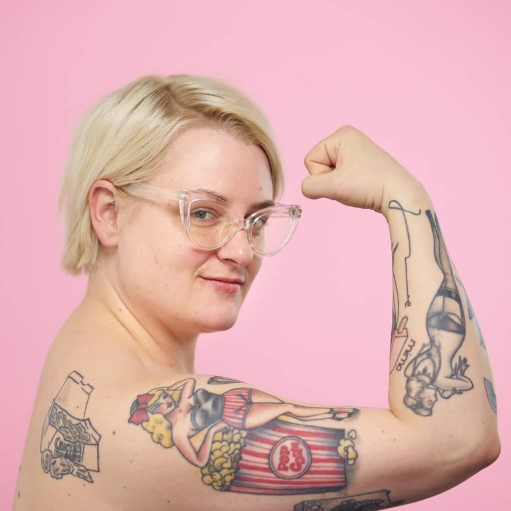 Naked und ungeschminkt: Kim Hoss